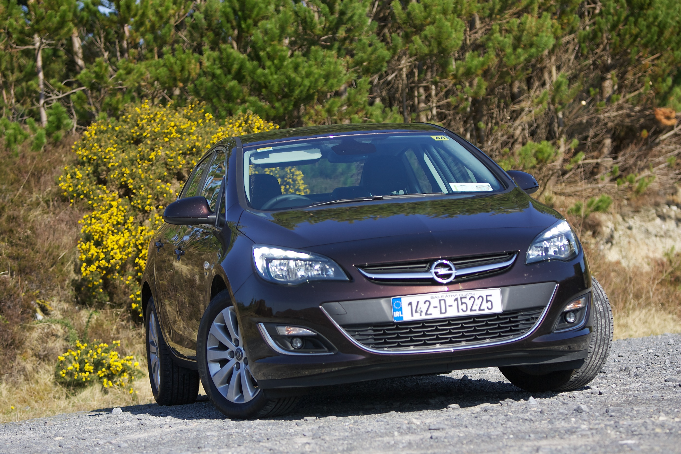 new diesel engines breath fresh life into opel astra saloon. Black Bedroom Furniture Sets. Home Design Ideas