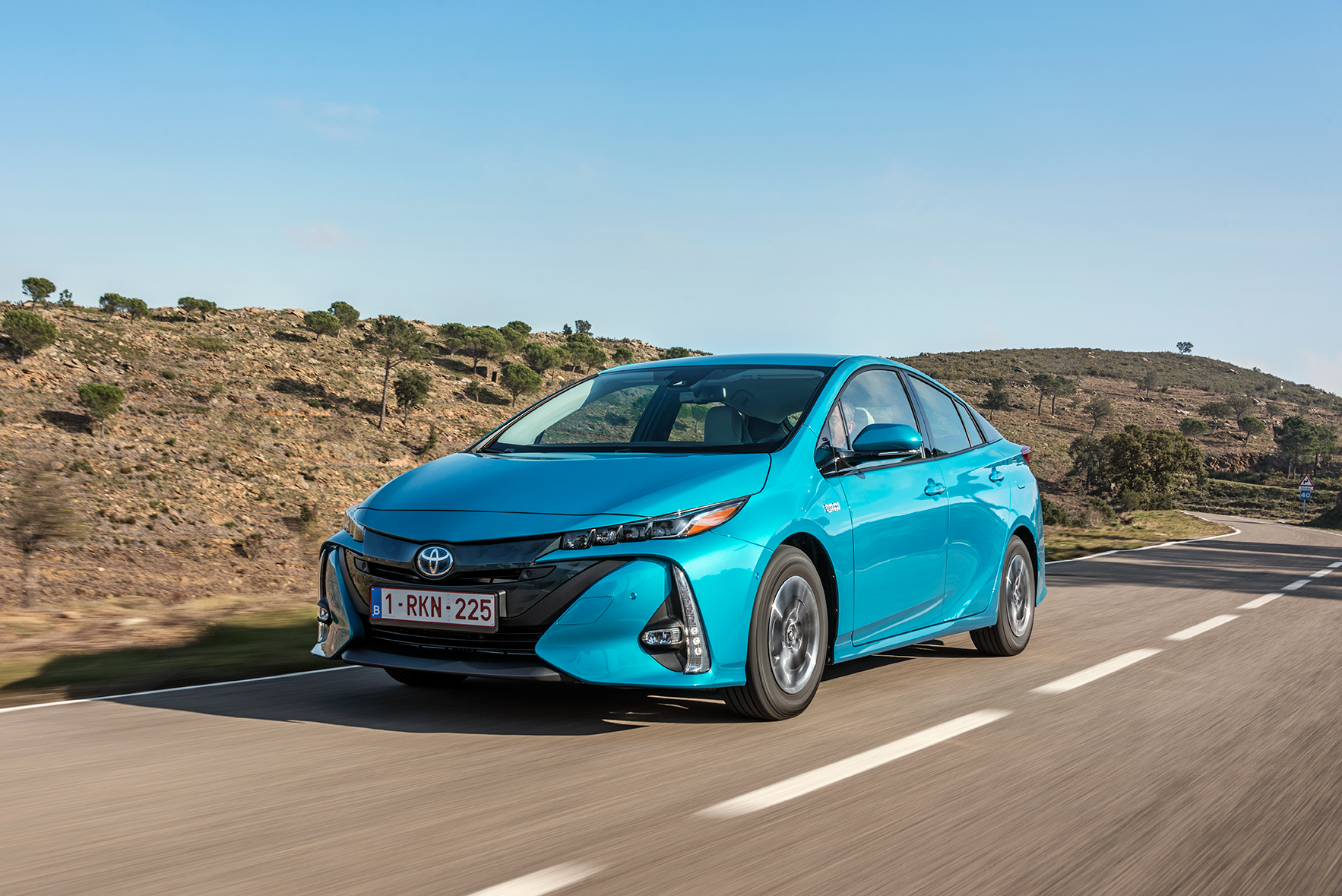 first drive toyota prius plug in hybrid. Black Bedroom Furniture Sets. Home Design Ideas